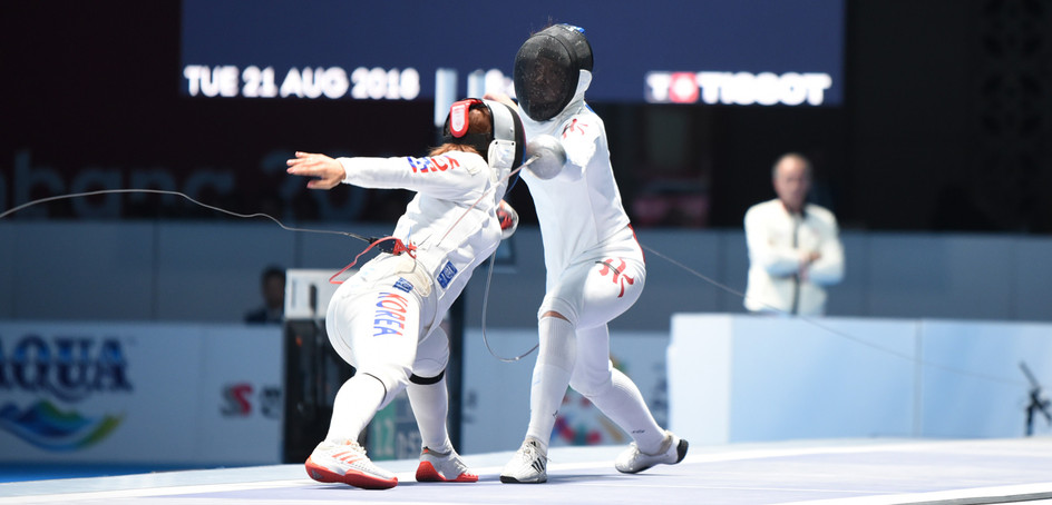 Fencer Kong Man-wai claimed the silver medal in the women's epee individual event at the Women's Epee World Cup held in Tallinn.