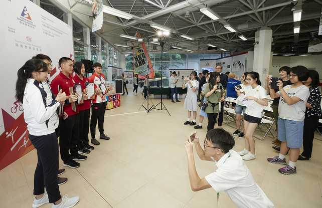 The 1<sup>st</sup> quarter presentation ceremony of the Outstanding Junior Athlete Awards 2019 also offered an excellent opportunity for some secondary student reporters to explore their horizons.