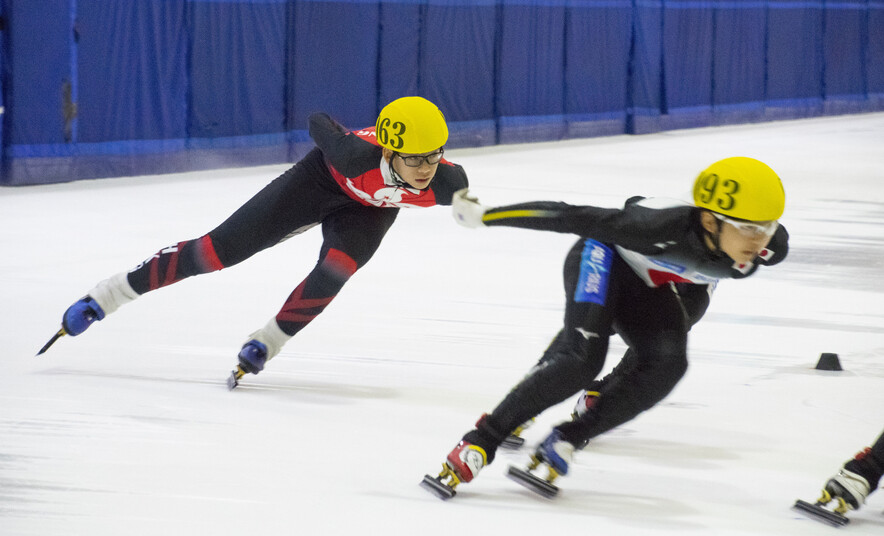 Left: Chan Ho-tung (Photo: Hong Kong Skating Union)