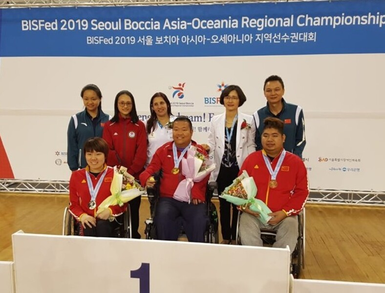 BC4 individual champion Leung Yuk-wing (middle, front row)