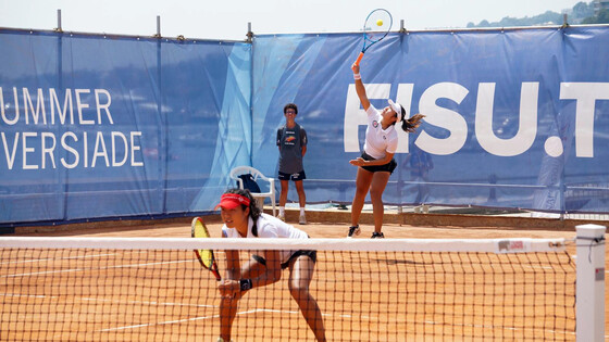 Eudice Chong (front) and Maggie Ng (back) (Photo: Hong Kong Tennis